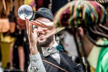 1-il-viaggiatore-magico-di-yari-e-alessandro-bono_italia