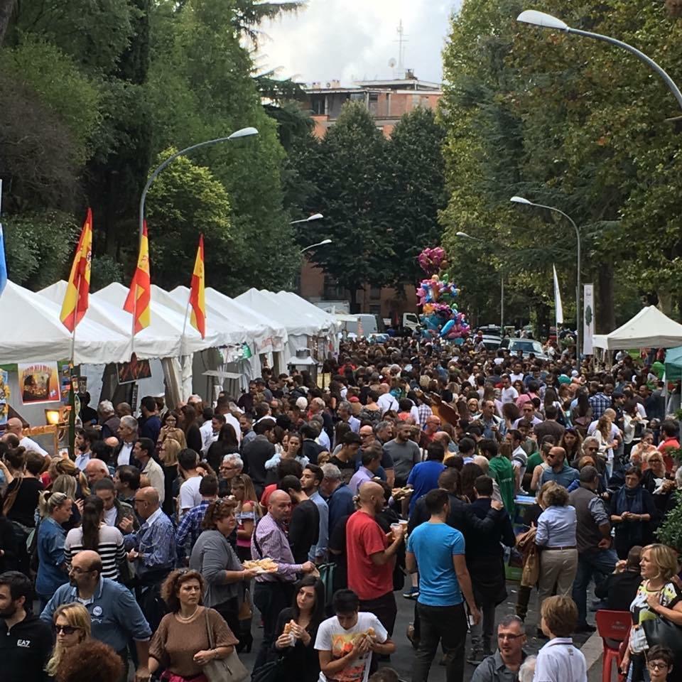 Folla-allo-Gnam-di-Roma.jpg
